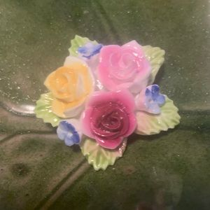Vintage hand painted porcelain flowers brooch